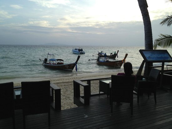 Holiday Inn Resort Phi Phi Island : View from the bar is very nice