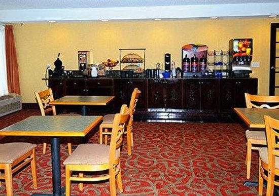 Comfort Inn: Deluxe Continental Hot Breakfast