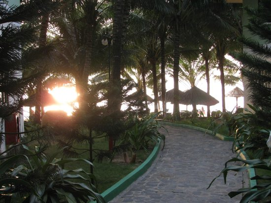 Sasco Blue Lagoon Resort:                   One of the roads to the beach.
