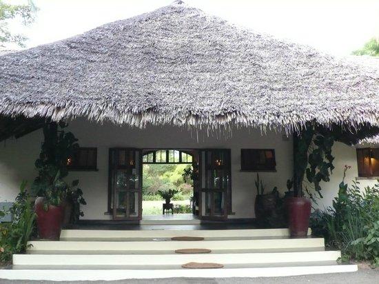 Moivaro Lodge: entrée de l'hôtel