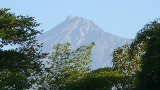 Moivaro Lodge: MONT MERU vu de la réception