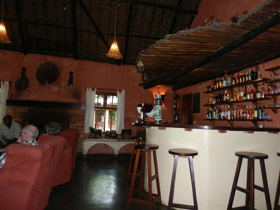 Moivaro Lodge: bar africain