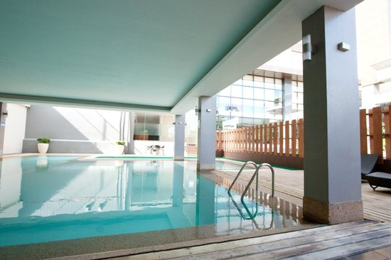 Swimming pool picture of dohera hotel mandaue tripadvisor - Diamond suites cebu swimming pool ...