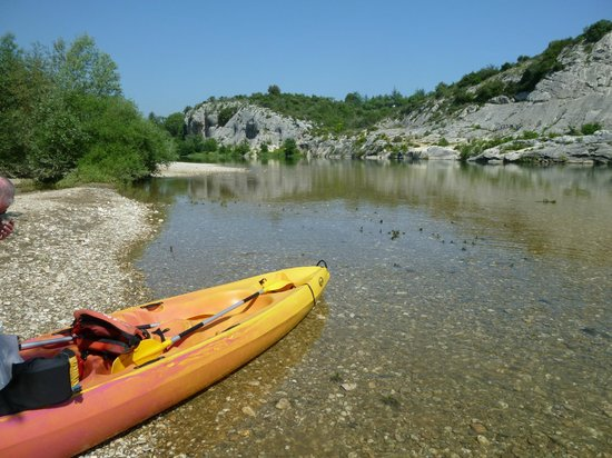 Canoe collias :                   Take time out on the way down