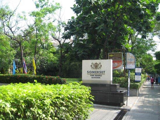 Somerset Park Suanplu:                   View from street