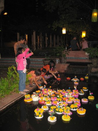 Somerset Park Suanplu:                   Loy Kratong on the Hotel grounds