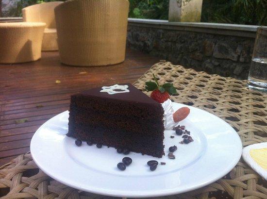 The Tamara Coorg:                   Great chocolate cake!