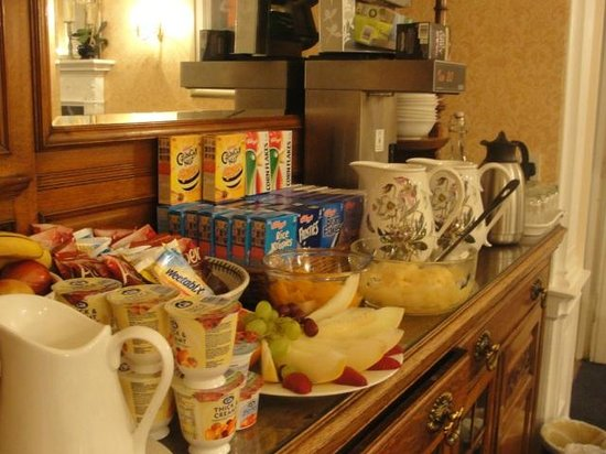 Elder York Guest House:                   the lovely spread of fruits,cereals,yogurts,juices, milk