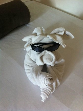 The Breezes Bali Resort & Spa:                   more towel art