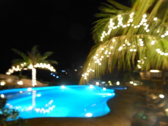 Jamahkiri Resort & Spa:                   The pool area at night