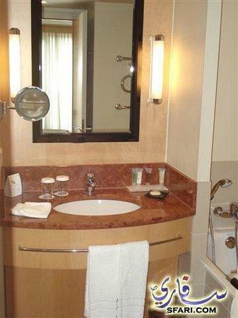 Le Meridien Munich:                   حمام الغرفة 2