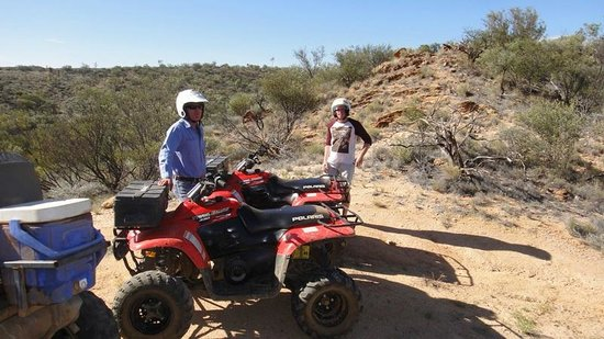 Outback Quad Adventures Day Tours: Our guide, pointing out a few features