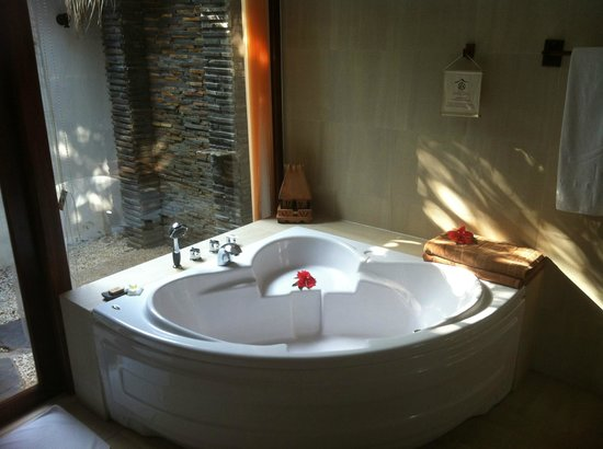 Victoria Phan Thiet Beach Resort & Spa: Bathroom