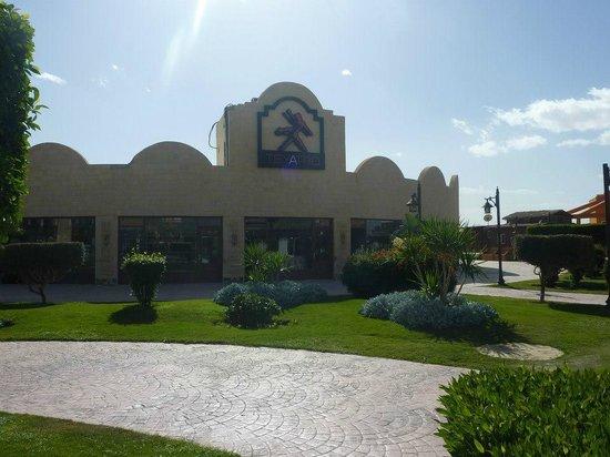 Caribbean World Resorts Soma Bay: stores in resort