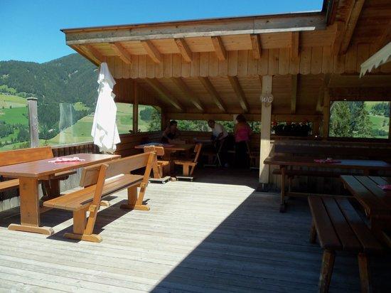 l 39 esterno picture of rifugio jora hutte san candido tripadvisor. Black Bedroom Furniture Sets. Home Design Ideas