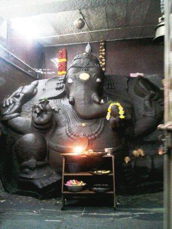 Dodda Ganapathi Temple:                   Most Powerful & Auspecious Ganesha in Bangalore