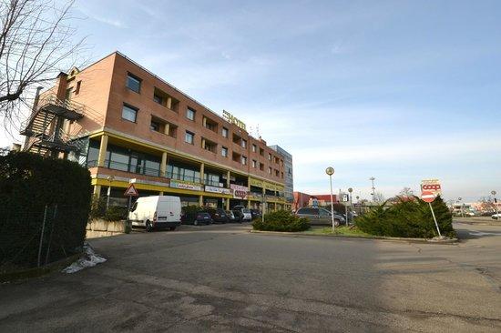 Sun Hotel: veduta esterna