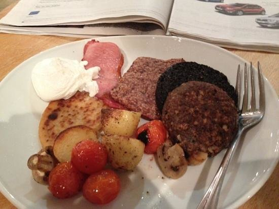 The Pipers' Tryst Hotel:                                     Hearty Pipe Majors breakfast after a night out in glasgow to