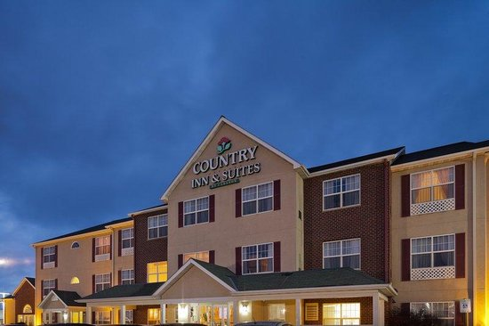 Country Inn & Suites By Carlson, Menomonie: CountryInn&Suites Menomonie ExteriorNight