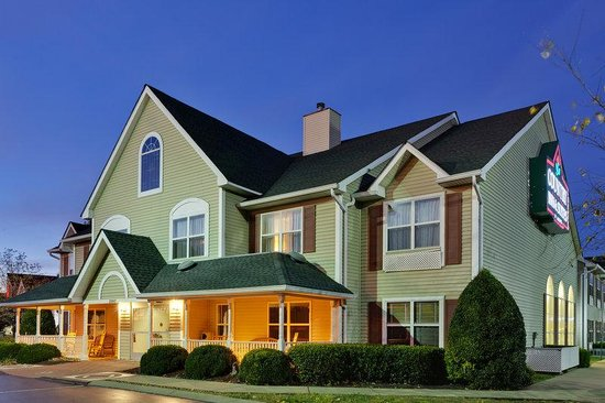 Country Inn & Suites By Carlson, Murfreesboro: CountryInn&Suites Murfreesboro  ExteriorNight