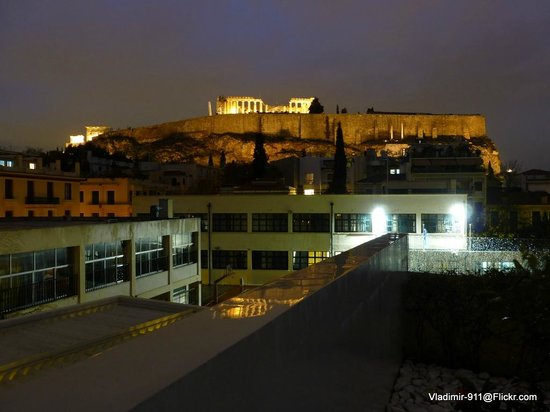 Herodion Hotel: View of the Parthenon from the roof top patio of the hotel