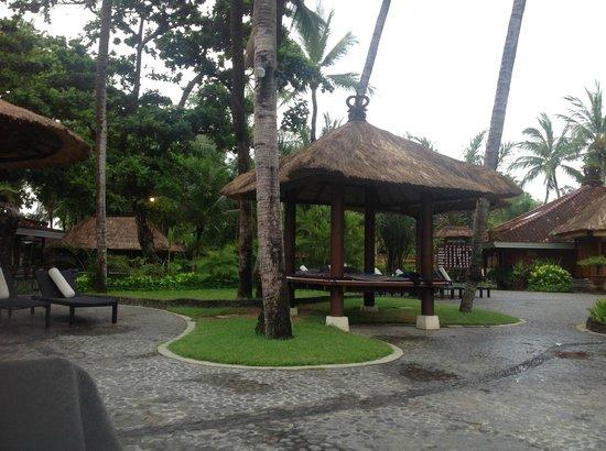 Melia Bali Indonesia: bale