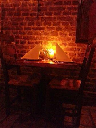 Ett av borden hos Sankt Markus Wine Cellar