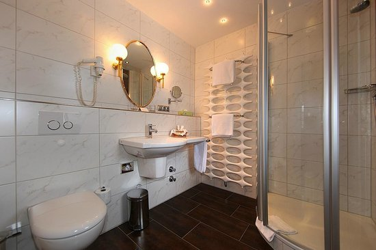 Hotel Edelweiss: Badezimmer