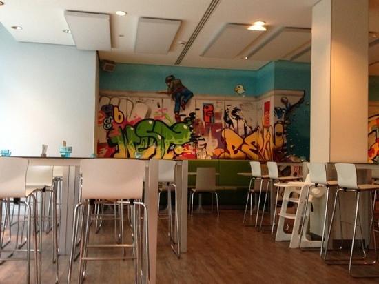 Ibis Styles Berlin Mitte:                   colazione