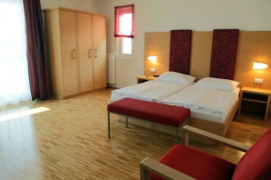 Hotel garni Toscanina: Zimmer