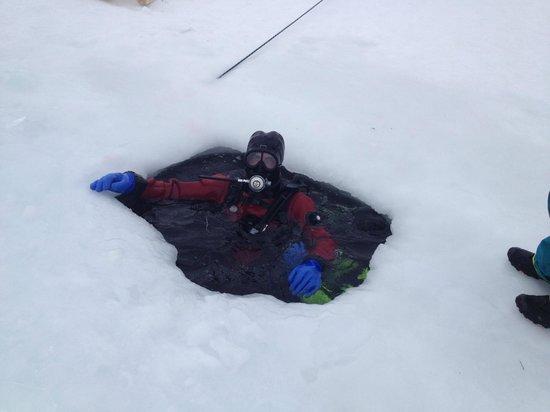 Ecole de plongée sous glace de Tignes :                   Sortie du lac