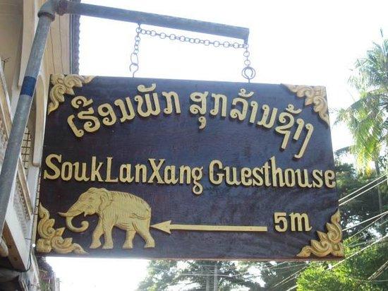 Souk Lan Xang Guest House: Sign
