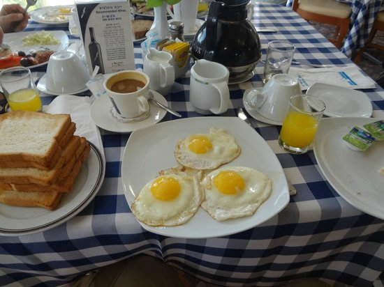Ron Beach Hotel: Breakfast