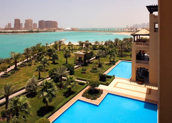 Grand Hyatt Doha: Gardens & Sea Shot