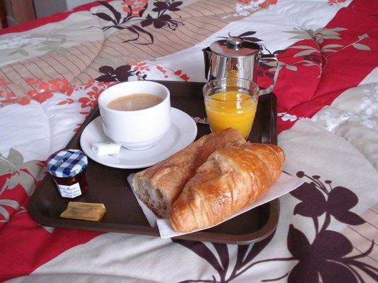 Hotel de Reims: Plateau servi en chambre