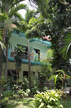 Kasemsuk Guesthouse:                                     around