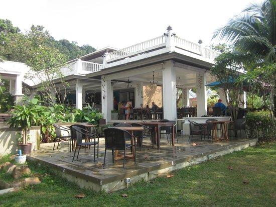 Anyavee Tubkaek Beach Resort:                   Restaurant
