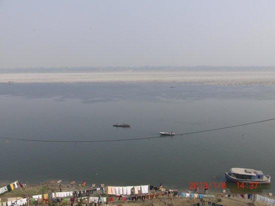 Eden Halt:                   Der Blick auf den Ganges