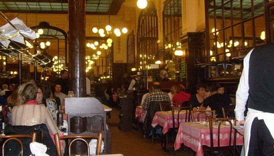 Le Bouillon Chartier : View of the dining room