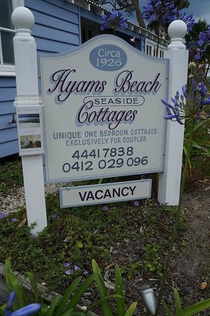 Hyams Beach Seaside Cottages: Cottage Sign