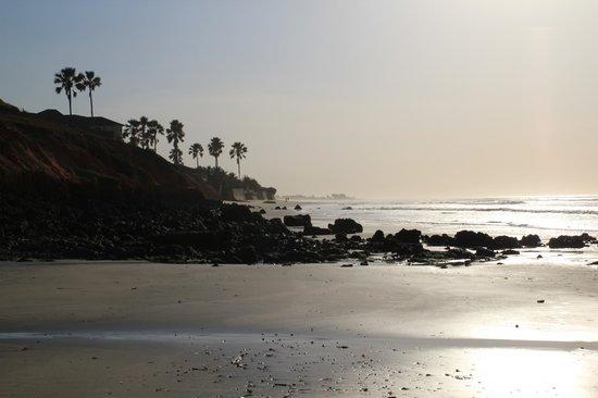 Safari Garden Hotel:                                     Fajara Beach at sunset
