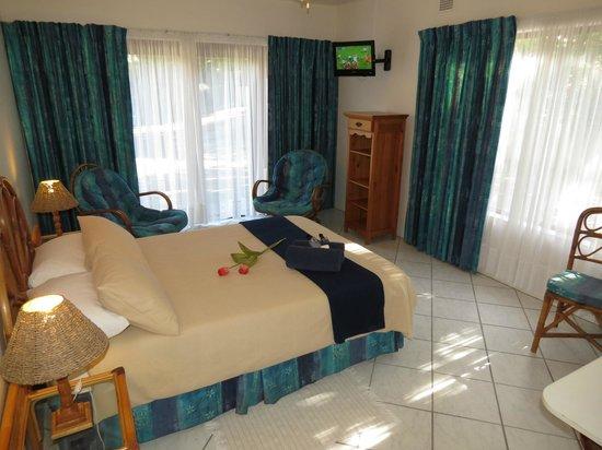 Dieu-Donnee River Lodge: Millenium suite bedroom 2
