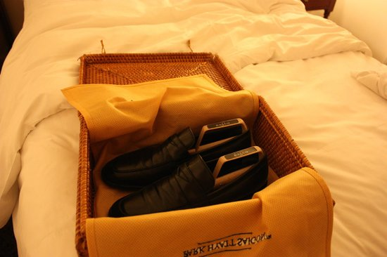Park Hyatt Saigon: Shoe shine