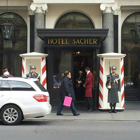 ‪‪Hotel Sacher Wien‬: VISIT OF THE PRESIDENT‬
