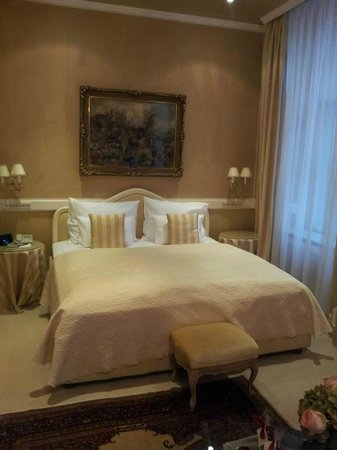 Hotel Sacher Wien: ROOM