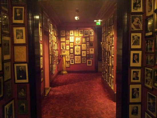 Hotel Sacher Wien: HALL