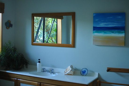 Clearwater Bed and Breakfast:                   Attention to detail in Bathroom