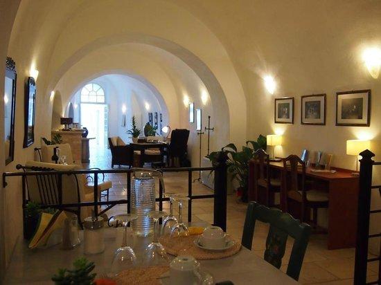 Nefeles Suites Hotel: Lobby