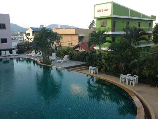 Casa Del M, Patong Beach:                                     smelly and dirty street outside the pool