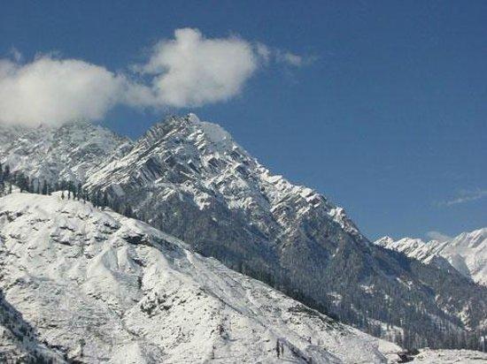 The Himachal Inn : snow peaks